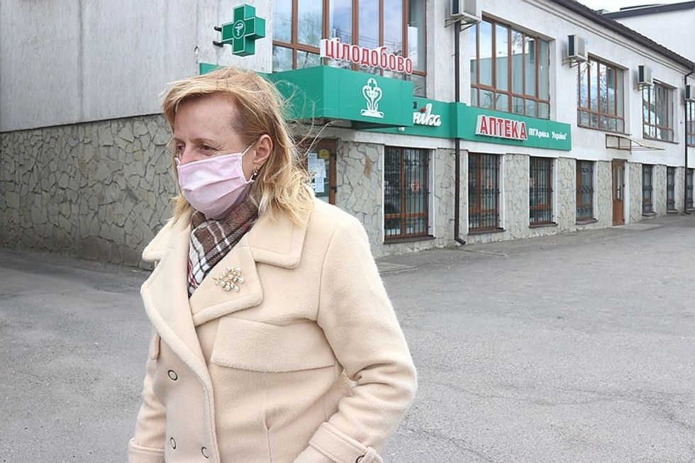 Woman coronavirus mask