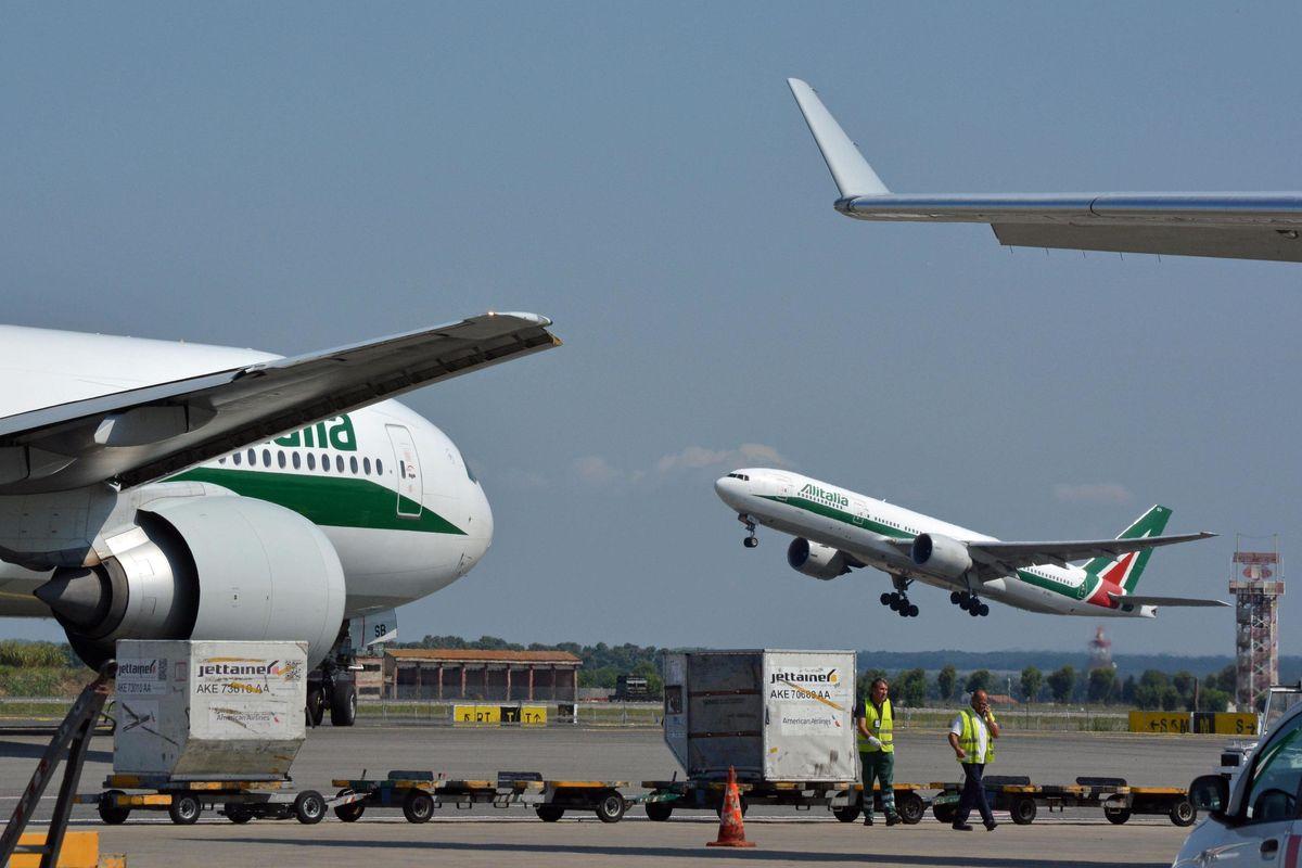 Pronti altri 3 miliardi ma la vecchia Alitalia chiede soldi agli hotel