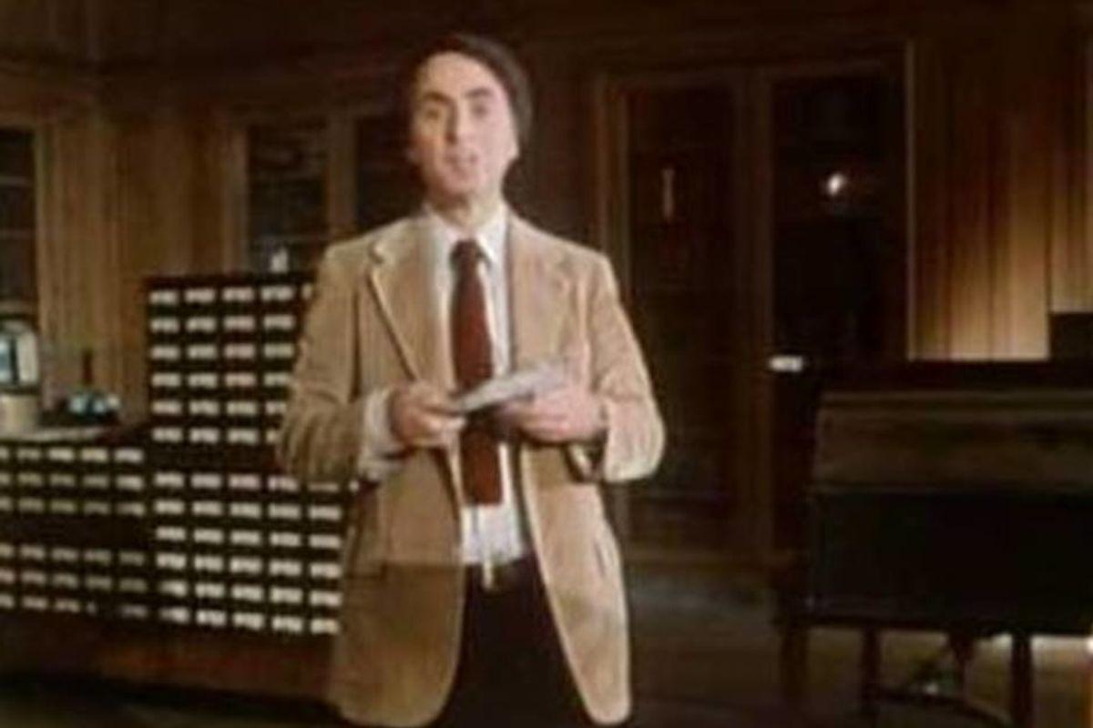 Original 'Cosmos' host Carl Sagan describing the magic of books is cosmically inspiring