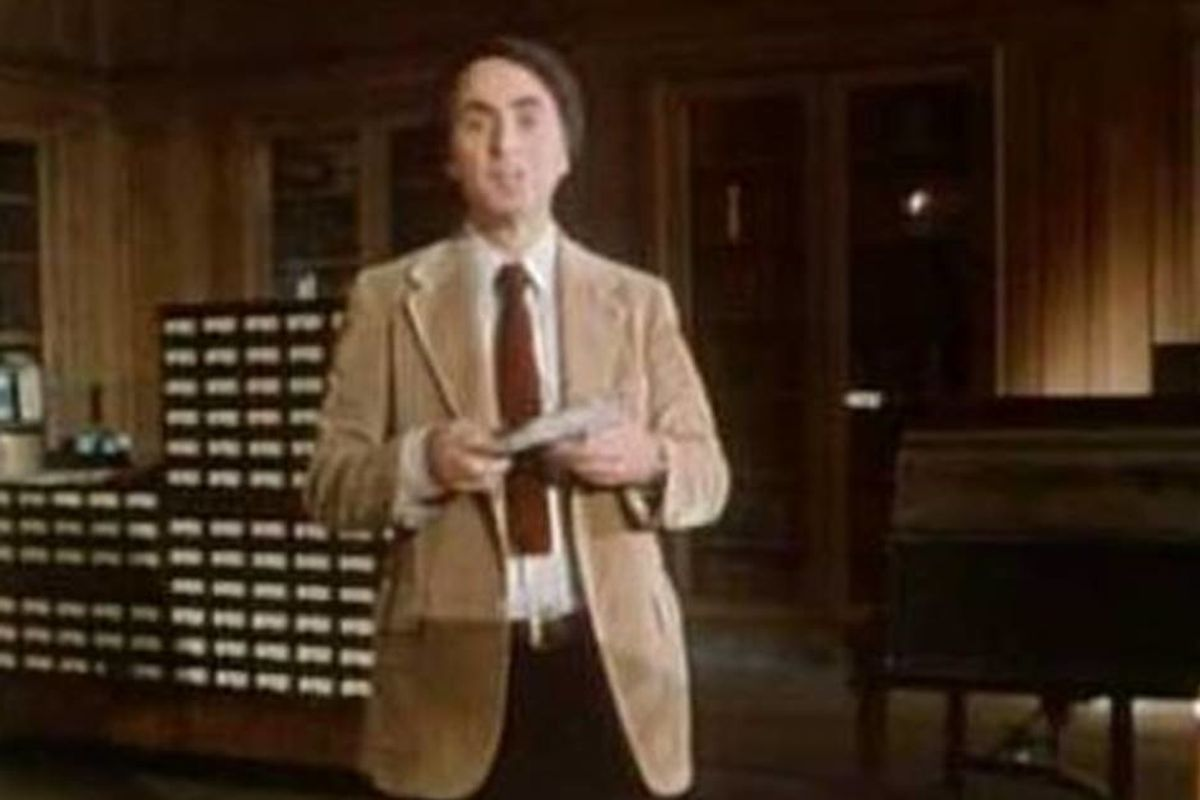 Original 'Cosmos' host Carl Sagan describing the magic of books is cosmically inspiring