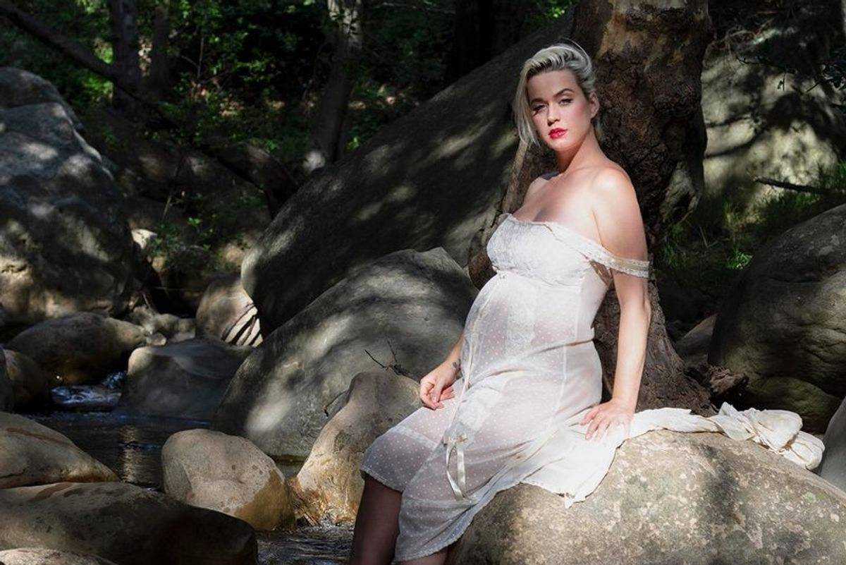 Katy Perry Frolicks Naked and Pregnant in 'Daisies'