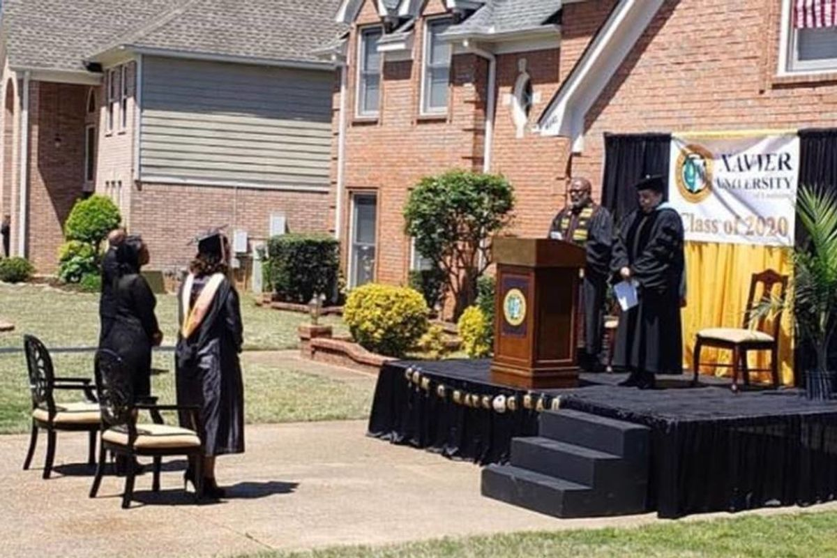 Dad upset his daughter won't have a graduation ceremony transforms driveway into a stage
