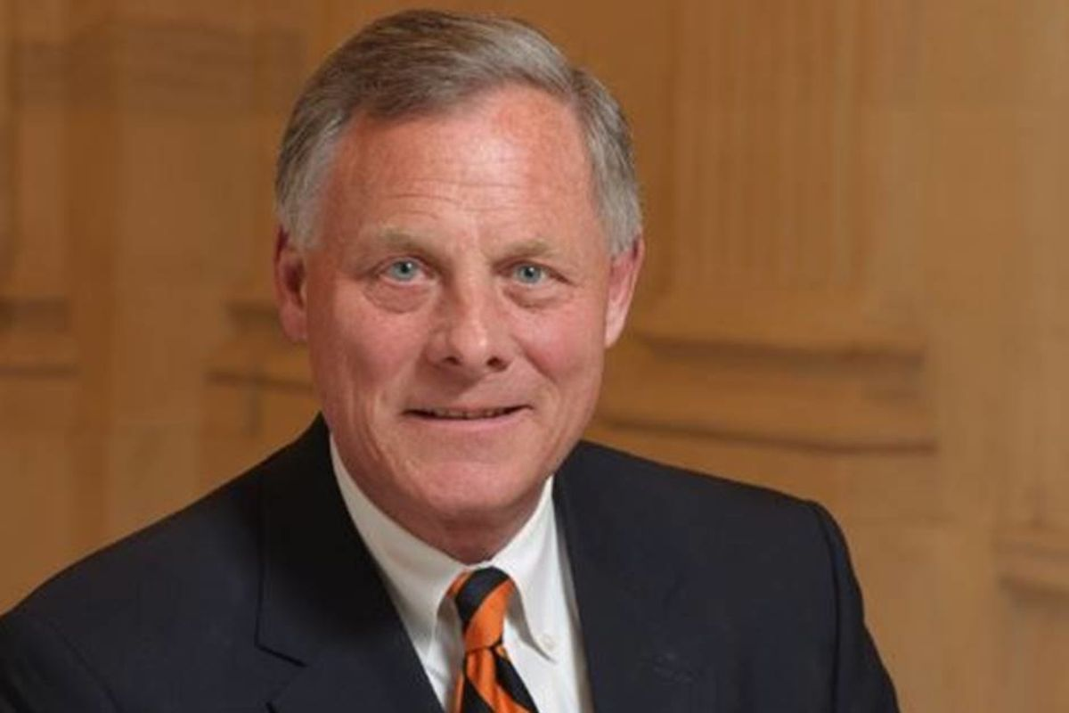 After being raided by FBI, Sen. Richard Burr steps down from Intelligence Committee chair