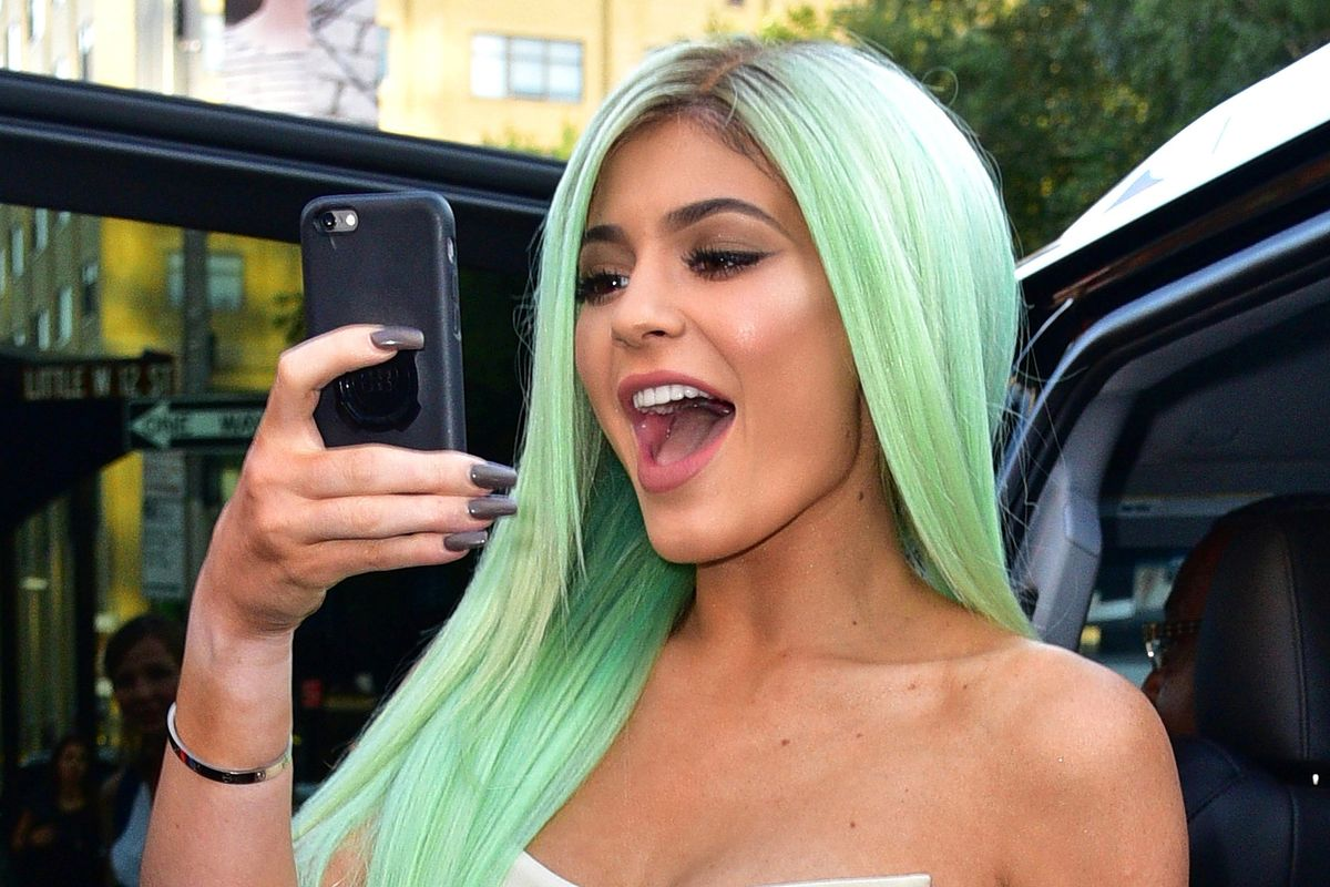 Kylie Jenner Accused of Editing Her Driver's License Pic