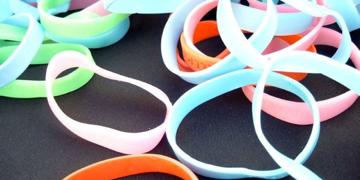 Armed with arm candy: Bracelets can detect people's chemical exposures