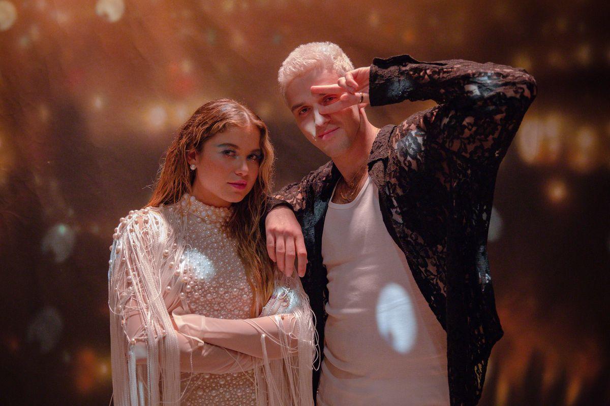 Watch Lauv and Sofía Reyes in 'El Tejano'