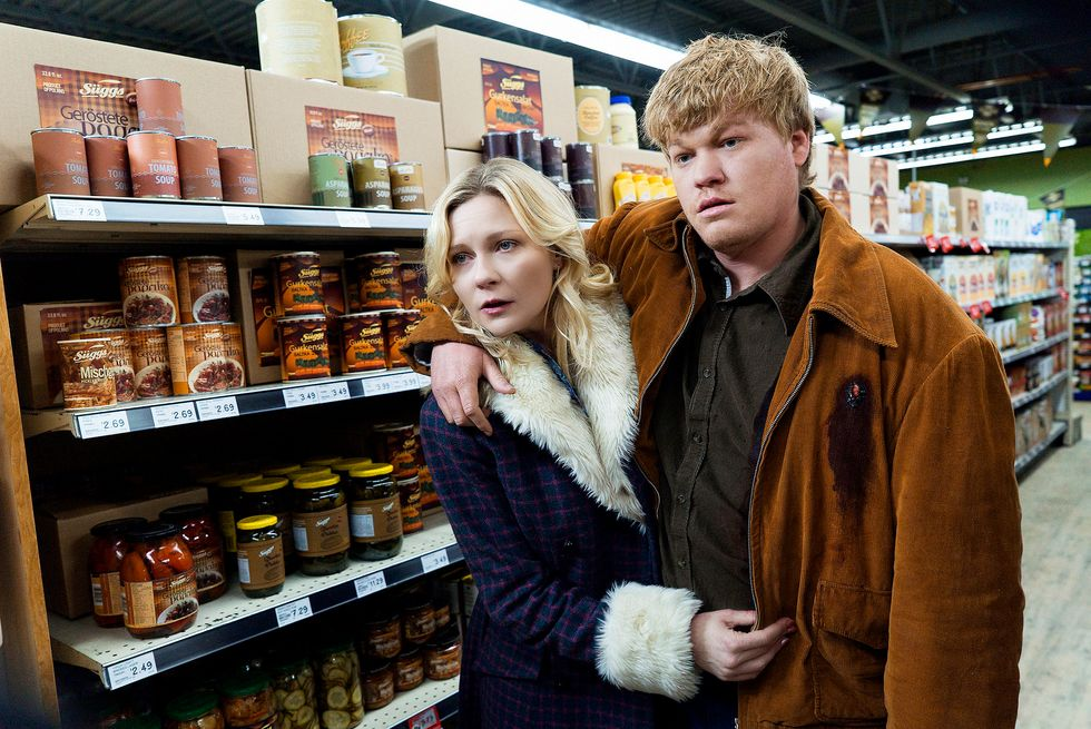 Kirsten Dunst and Jesse Plemmons inside a grocery store from the tv show Fargo.