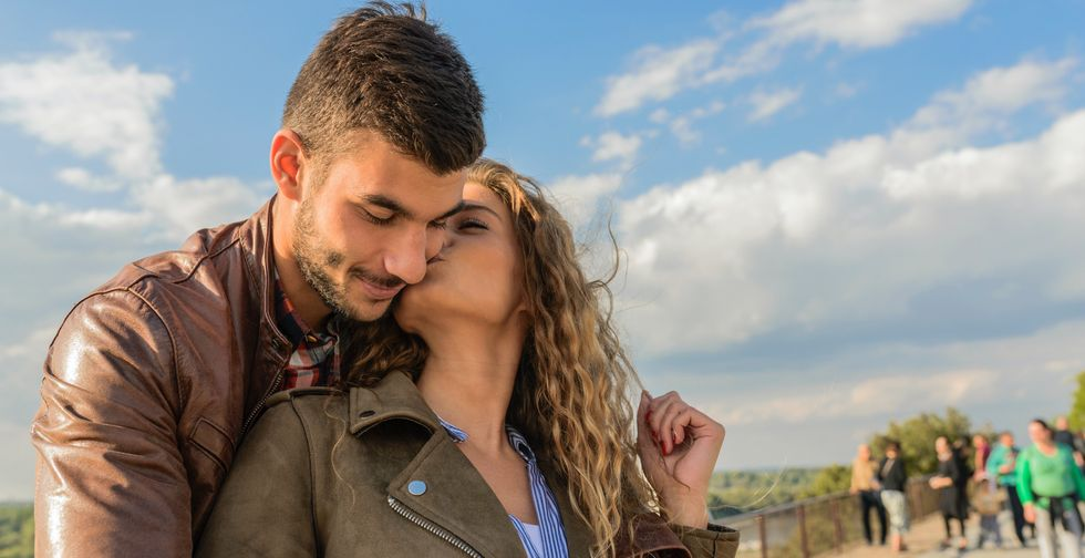 The Absolute Best Dating Apps To Try If You're Swiping For Love In Lockdown
