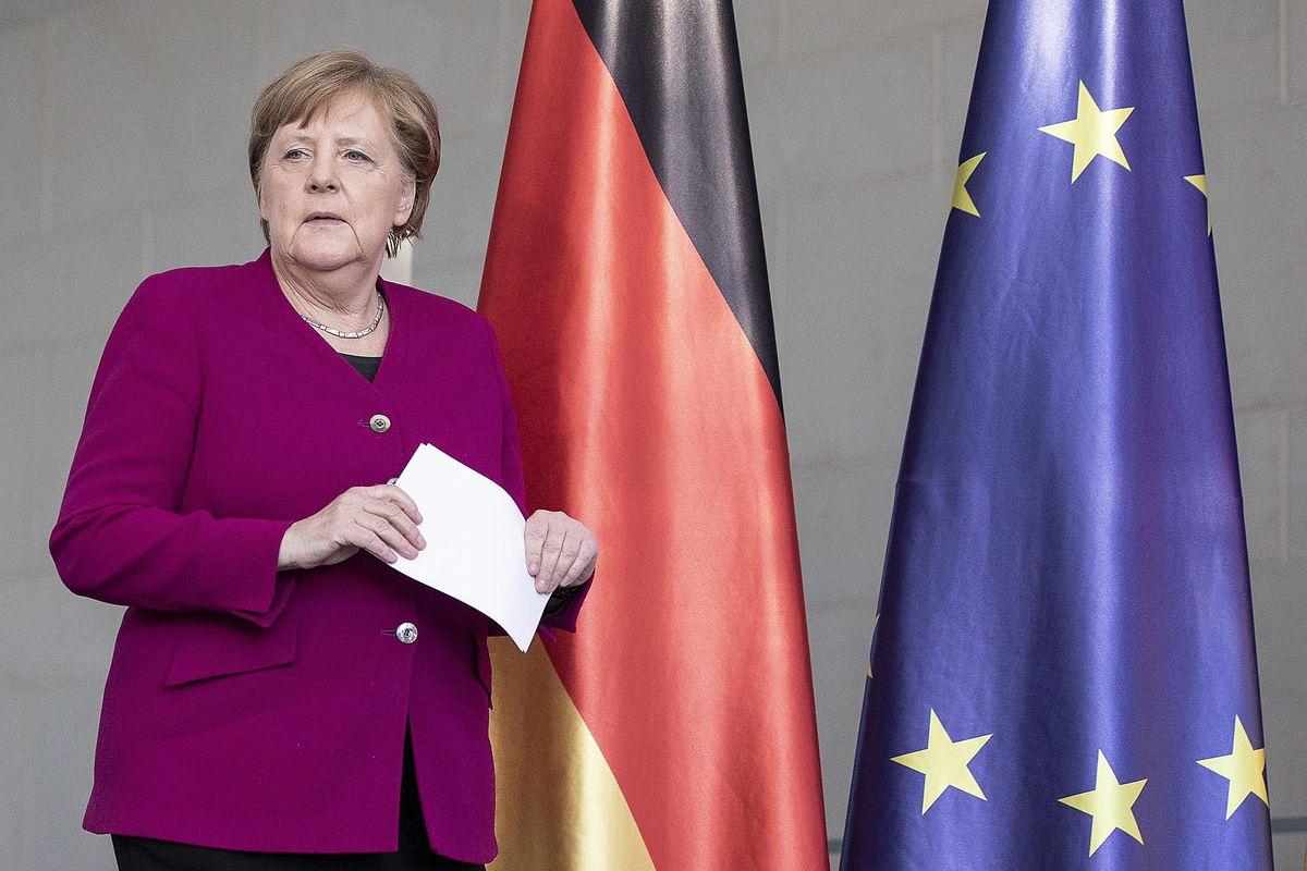 Ue col fiato sospeso. Oggi in Germania si deciderà il futuro della moneta unica