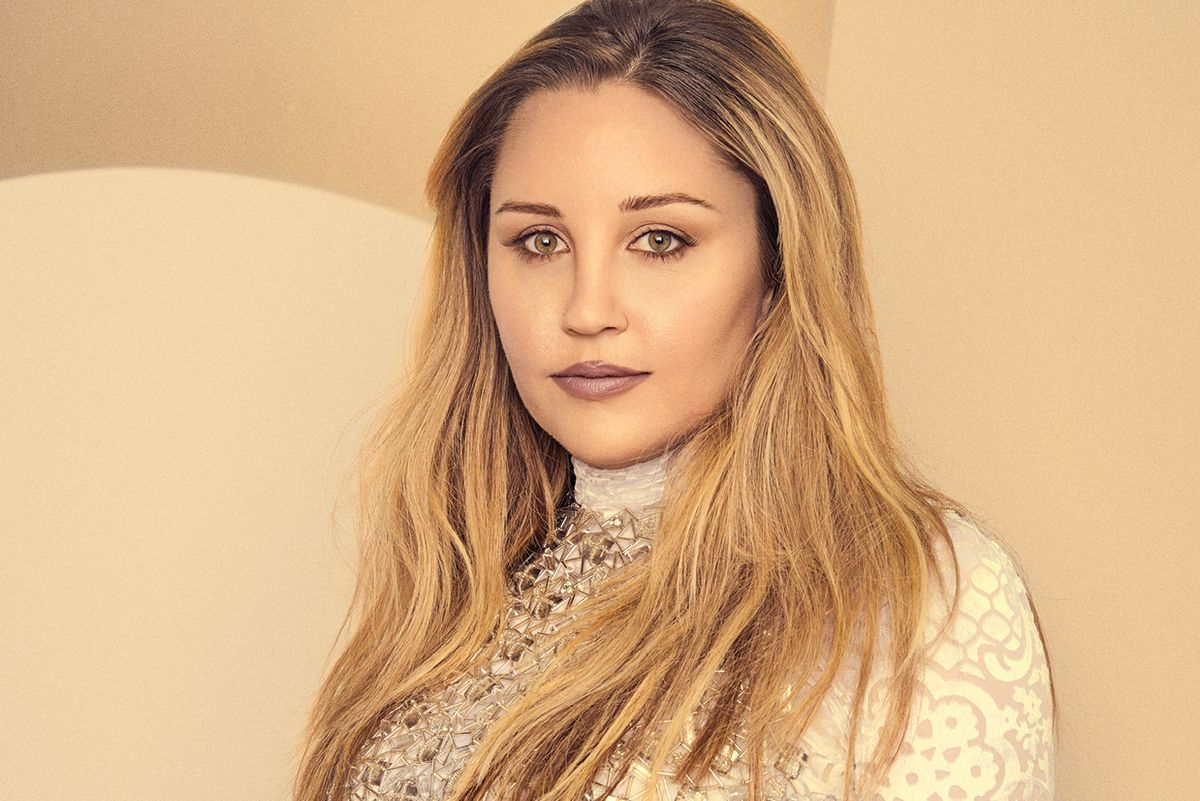 Amanda Bynes Is Not Pregnant, Actually