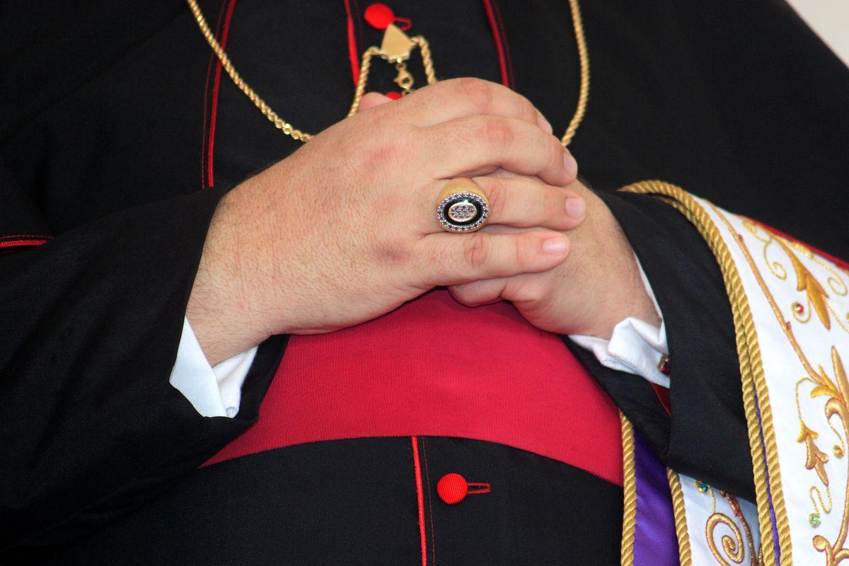 La serrata delle chiese è la prova: molti vescovi non credono in Dio