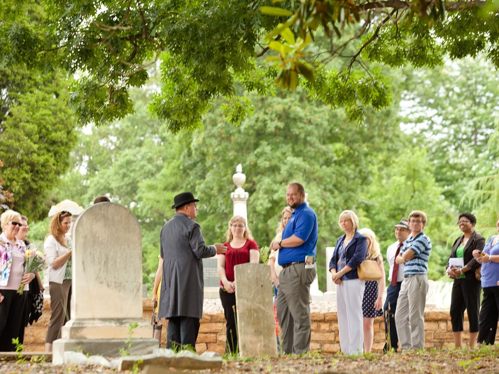 Oakland Cemetery tour