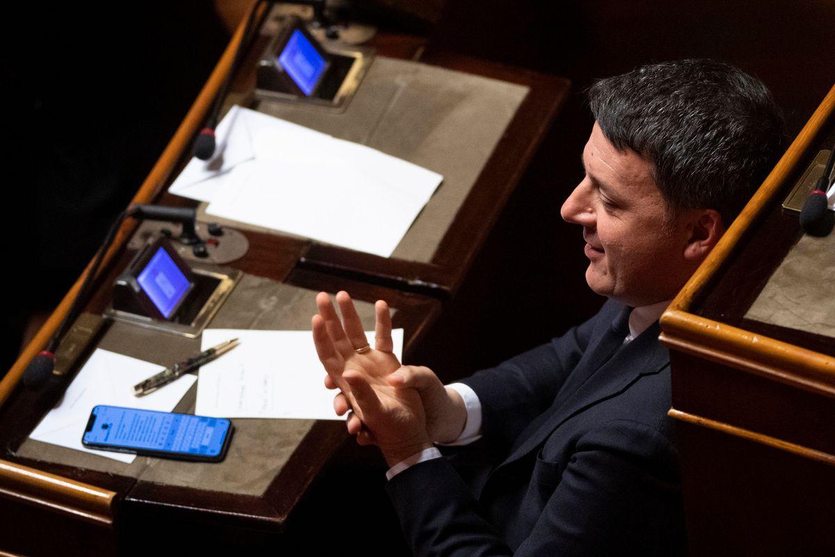 Ora che l'han fatto fuori, anche Renzi critica gli intrecci tra toghe e politici