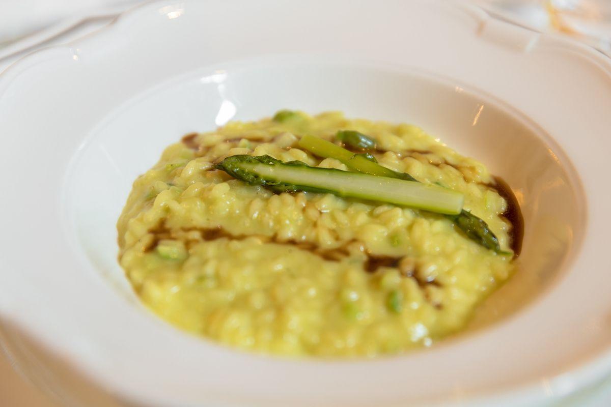 Cuciniamo insieme: risotto con asparagi e zafferano