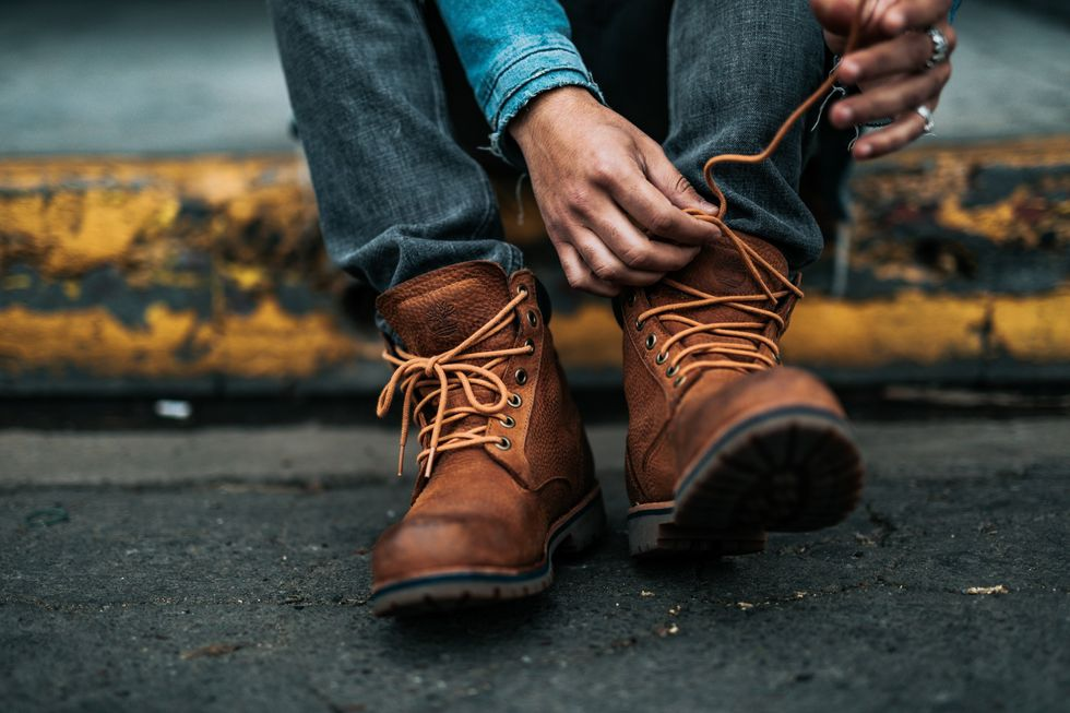 EMT Furious After His Neat Freak Wife Refuses To Stop Tightening The Laces On His Boots Every Night