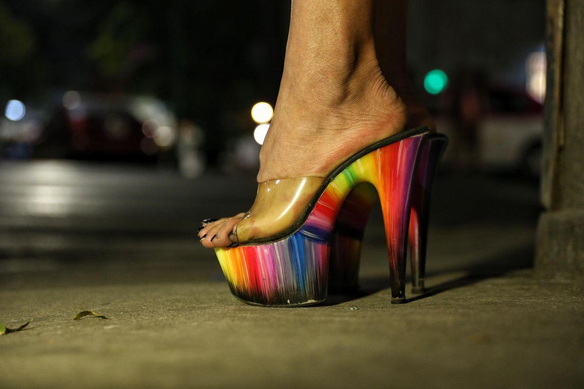 «Cacciate le lesbiche, sono anti trans». Faida di genere spacca il mondo Lgbt