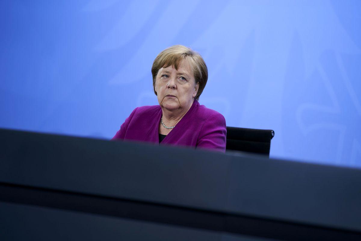 Piano della Merkel da 130 miliardi: soldi in tasca ai cittadini e giù le tasse