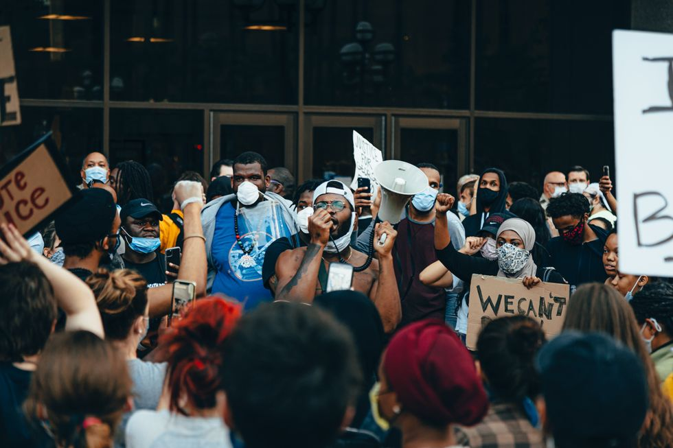 24 Powerful Images From The Black Lives Matter Protests Trending On Twitter Right Now