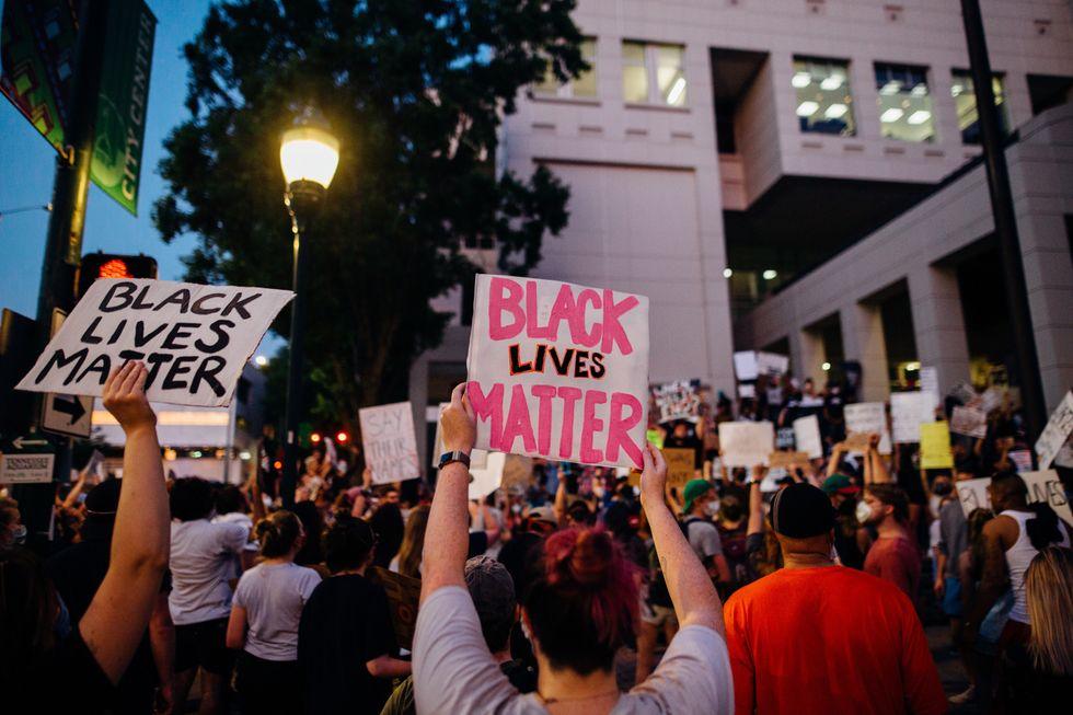 10 Ways To Demand Justice For Black Lives Because Black Lives Matter