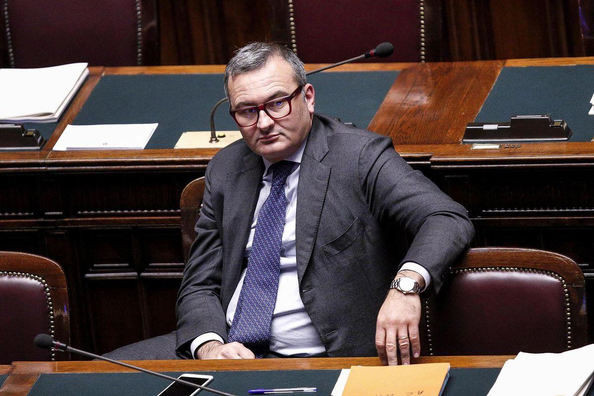 Enrico Zanetti: «Folle negare il fondo perduto a un milione di professionisti»