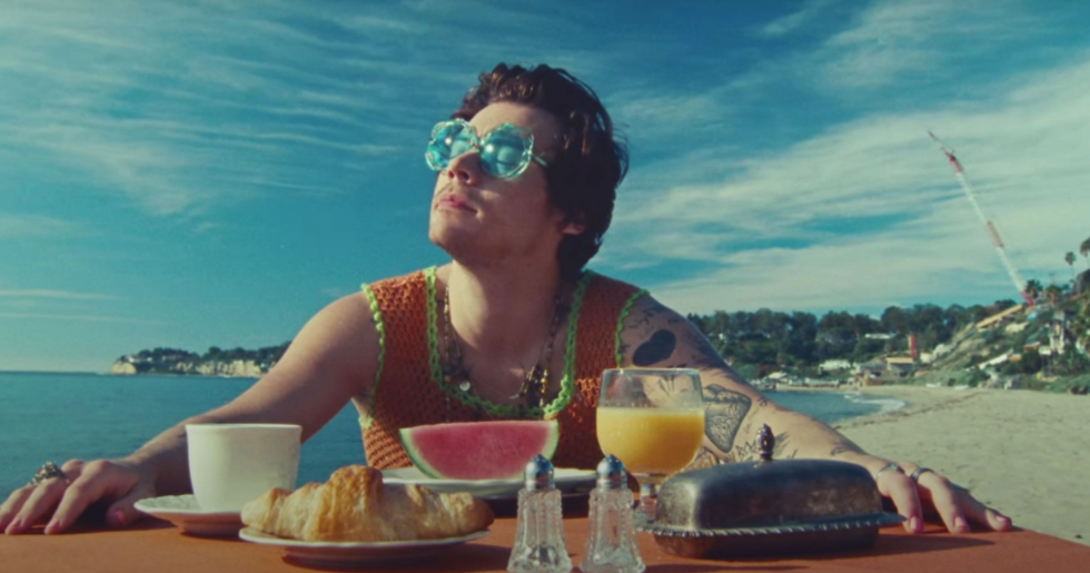 6 Of The Best Songs From The NEW Harry Styles