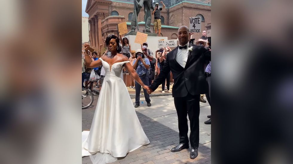 A Couple Joined Philadelphia's BLM Protest On Their Wedding Day, And The Photos Are SO Powerful