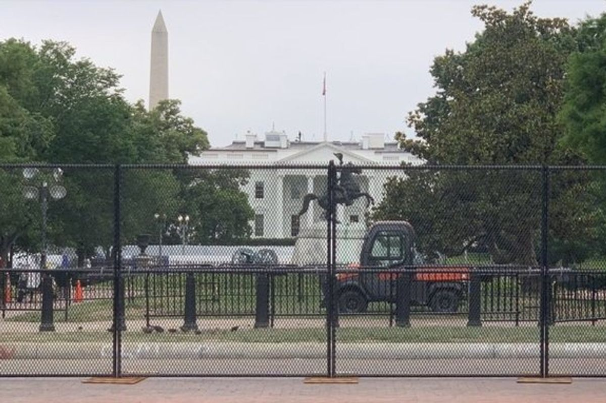 Protestors Turned White House Fence Into a Memorial Wall