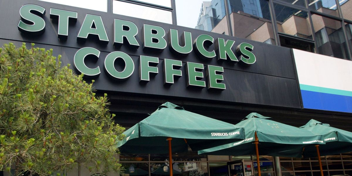 Starbucks Bans Employees From Wearing Black Lives Matter Clothing