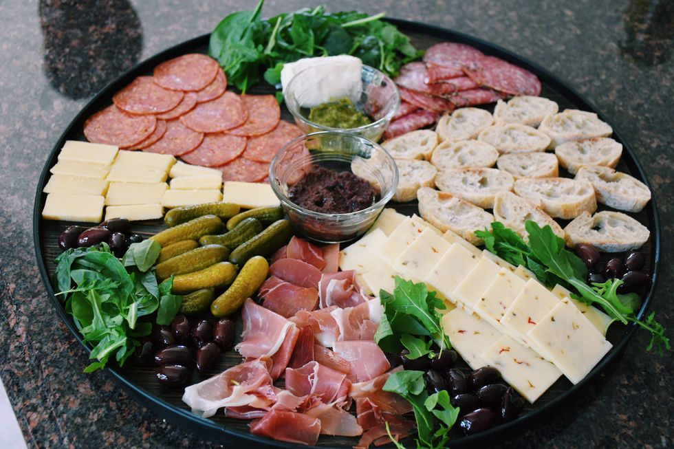 A Step-by-Step Recipe To A Beautiful Charcuterie Board