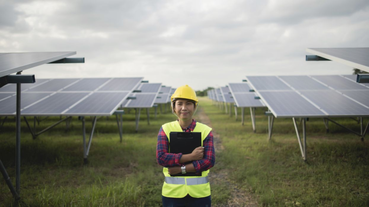 Clean Energy Job Losses Could Worsen Without Aid, Analysis Shows