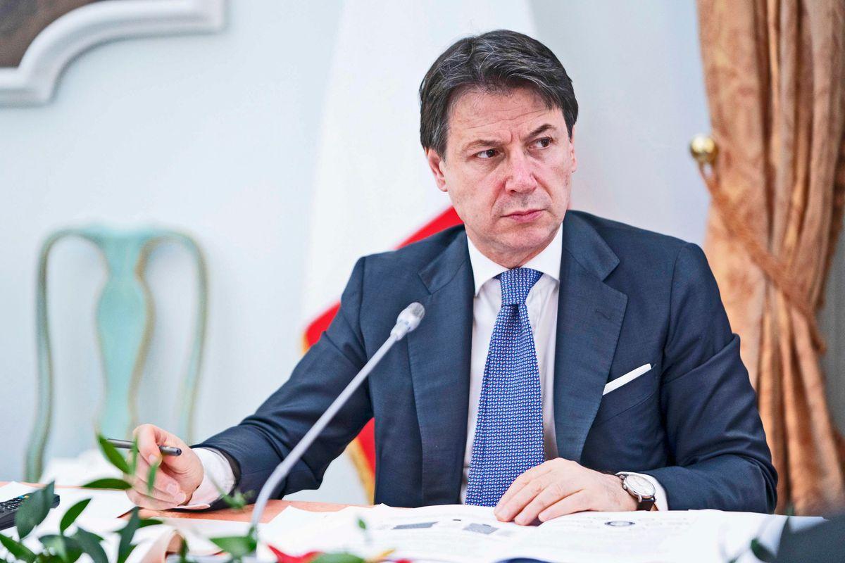 Conte rimanda l'italia a settembre