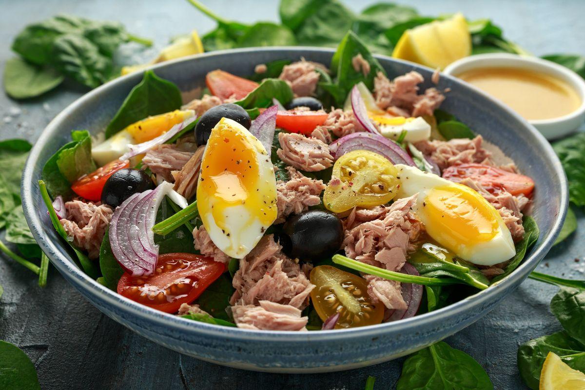 Cuciniamo insieme: peperoni mimosa con tonno e uova