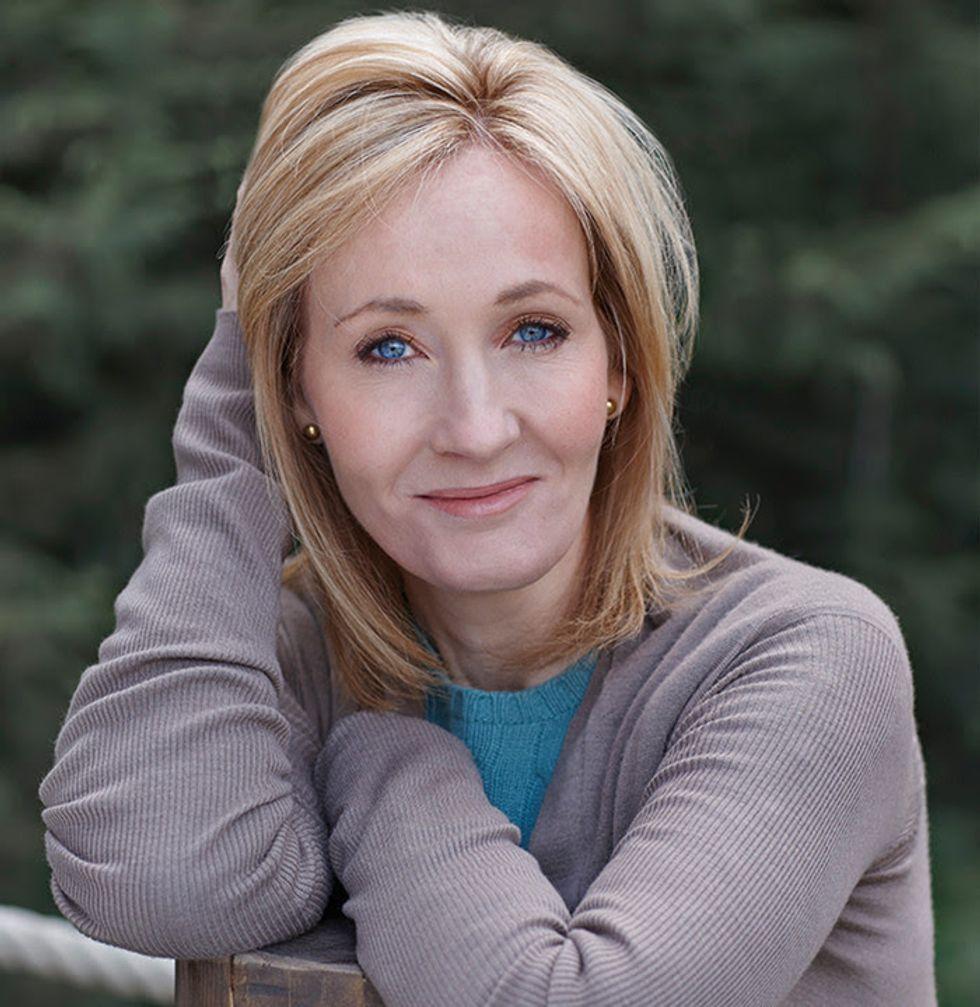 https://commons.wikimedia.org/wiki/File:%C3%8Domha_J.K._Rowling.jpg