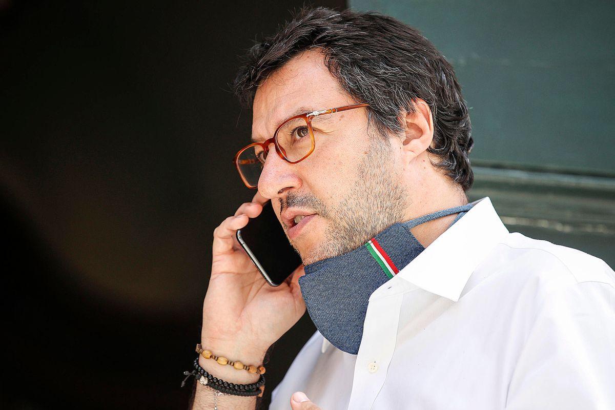 Le chat dei magistrati su Salvini: «Ha ragione, però va attaccato»