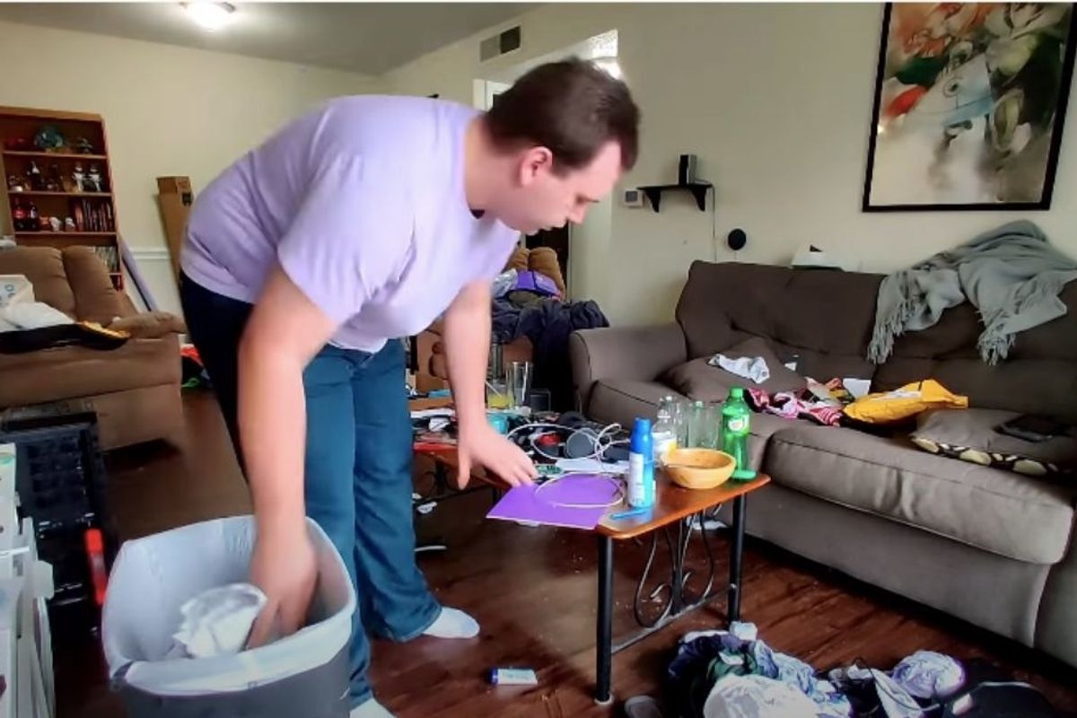 A man shared his post-depression apartment clean-up, and it's oddly therapeutic
