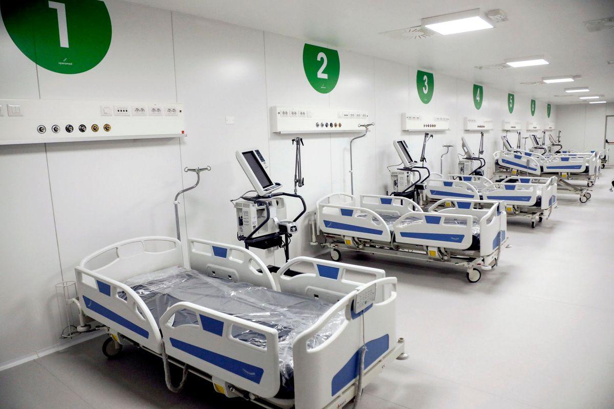 Indagini sull'ospedale in Fiera, nulla sul gemello «rosso». E sulla sanità lombarda è rissa