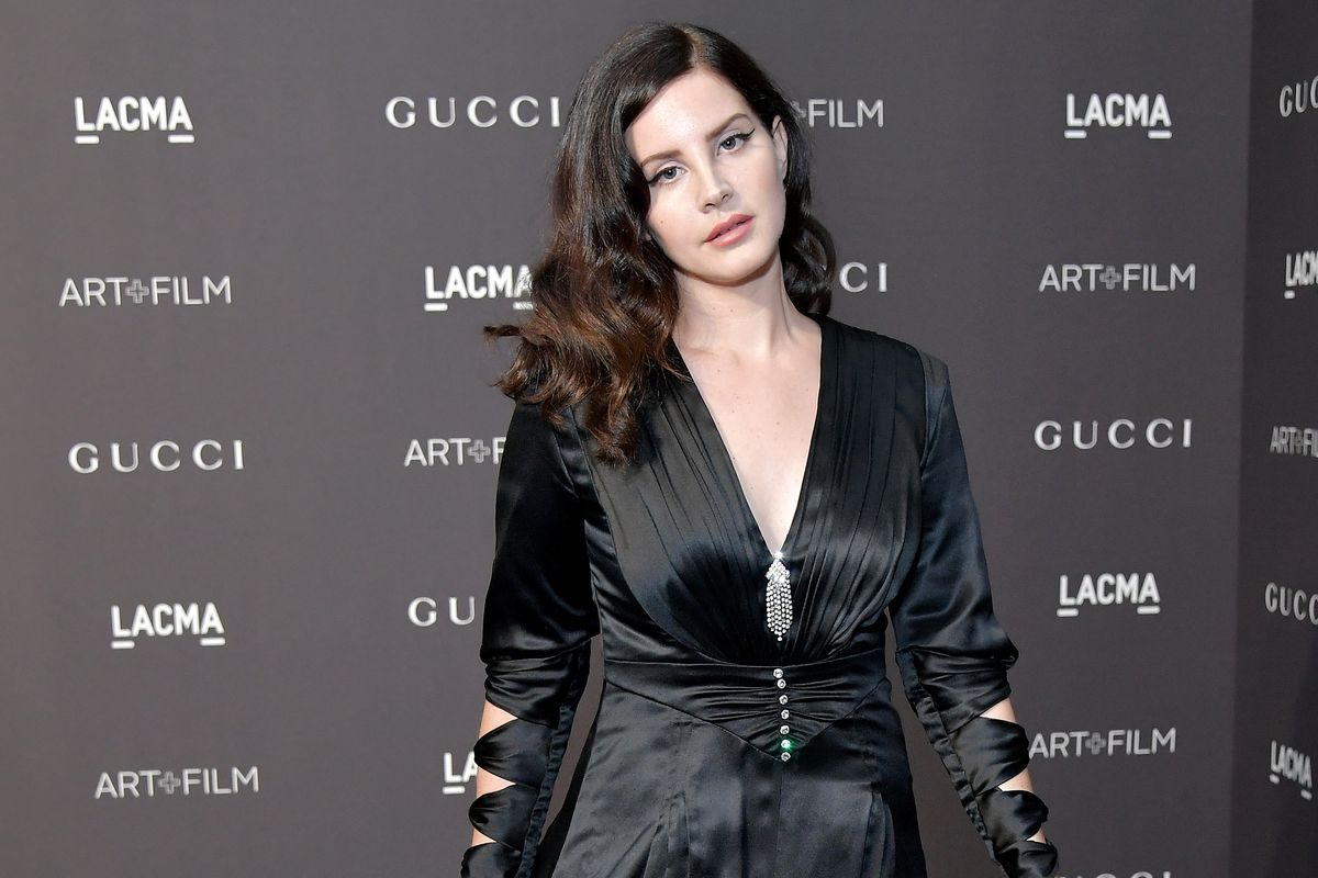 Lana Del Rey Doubles Down on Her 'Controversial Post'