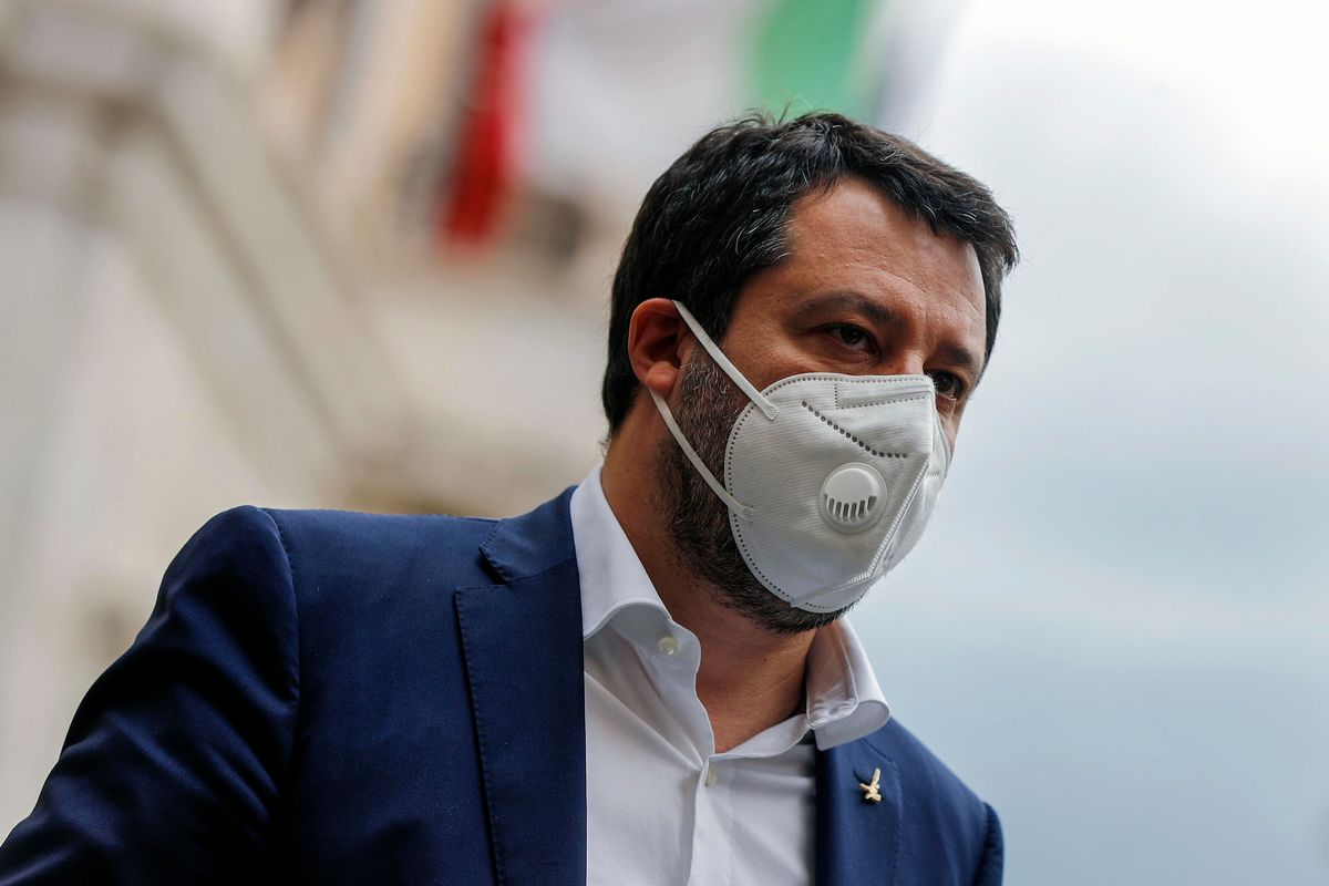 Salvini: «Sul vostro scoop il silenzio degli indecenti»
