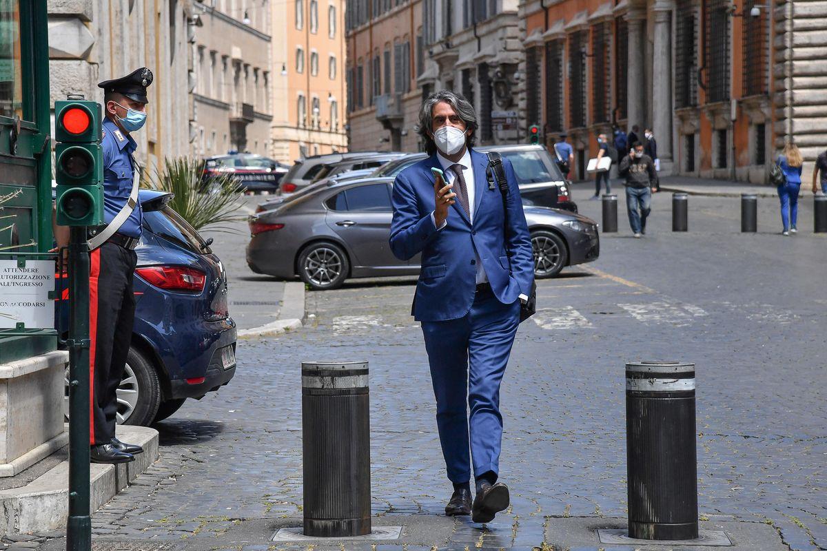 No della giunta al processo a Salvini. Decisivi l'ex M5s e la grillina pentita