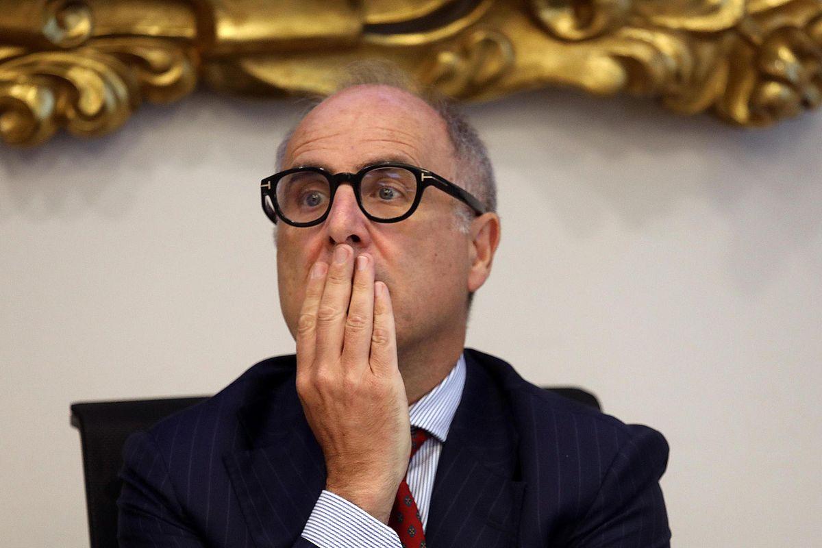 Ubi e Intesa si fanno la guerra in Borsa. Antitrust e Copasir convocano i manager