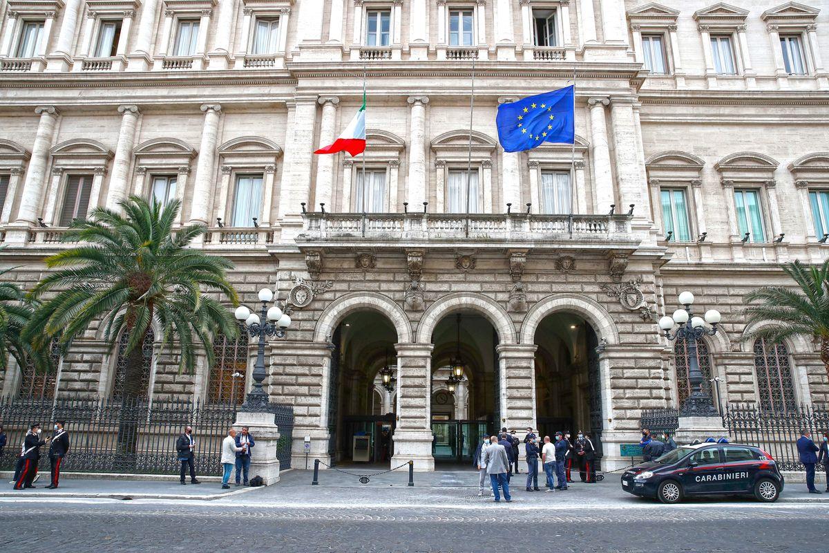 Bankitalia: un terzo delle famiglie ha da vivere soltanto per tre mesi