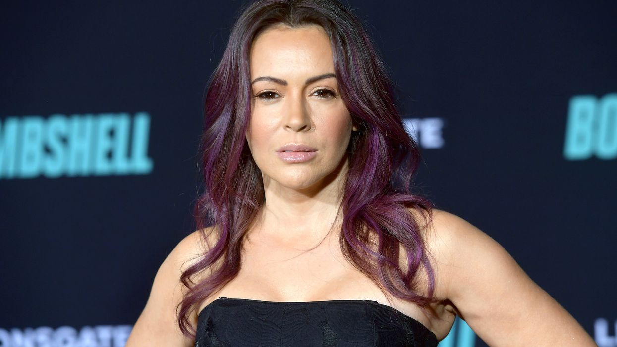 Alyssa Milano boosts black pastor equating Christians praying for Trump to those who lynched blacks