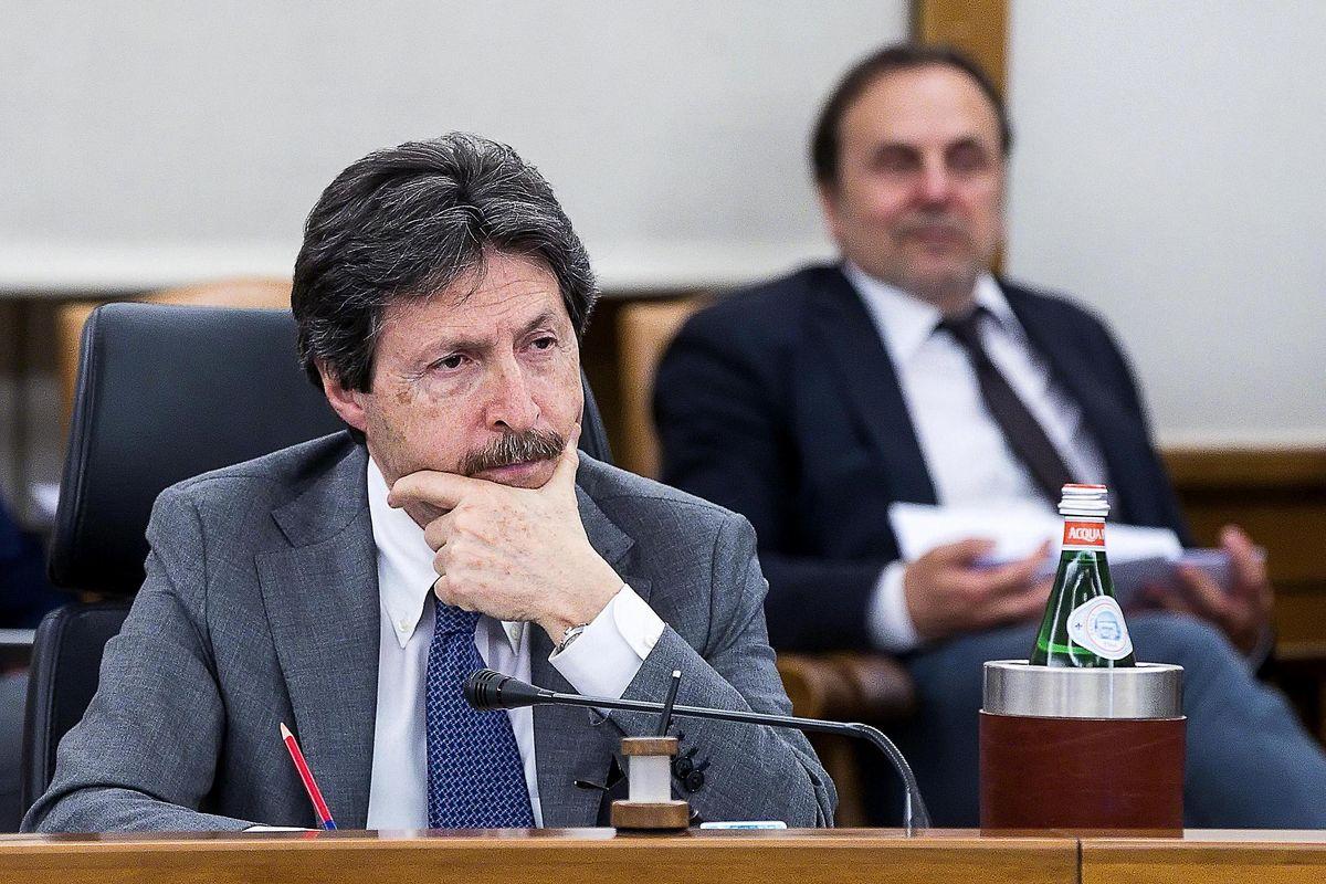I Whatsapp con l'ex pg finito sott'inchiesta a Perugia