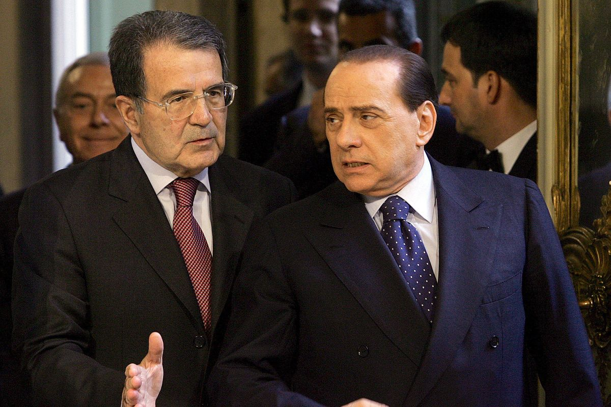 Sinistra in ginocchio da Berlusconi pur di non rinunciare alle poltrone
