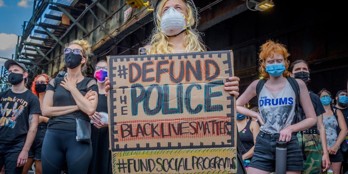 New poll shows very few Americans want to defund police