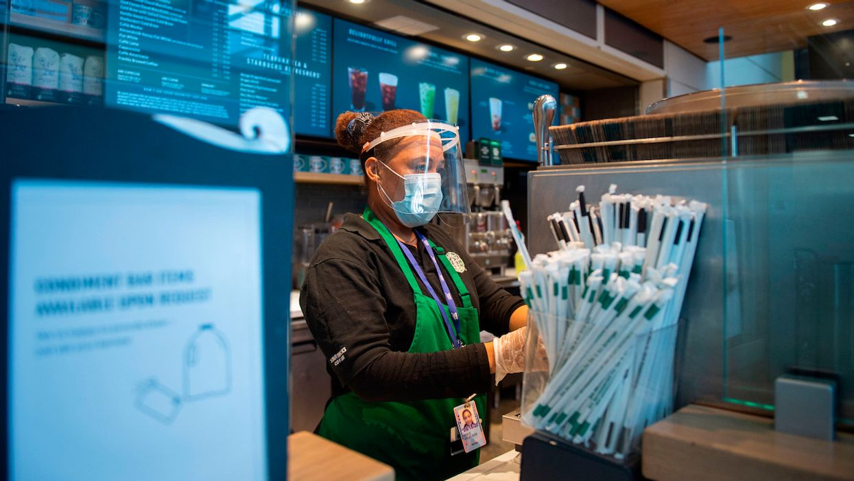 Starbucks to Require All U.S. Customers to Mask Up