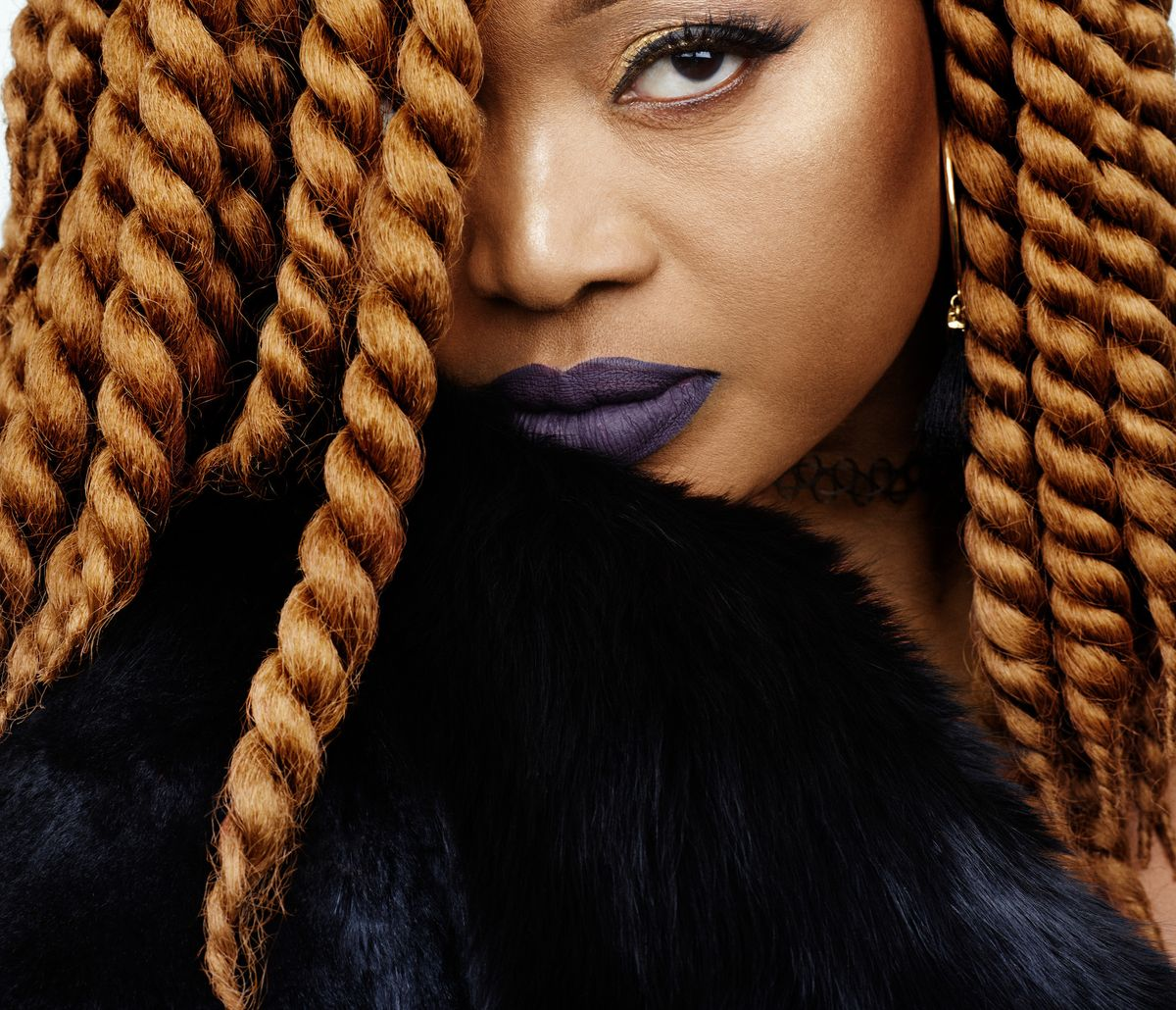 <div>Interview: Oumou Sangaré Proves Why She's the Songbird of Wassoulou</div>