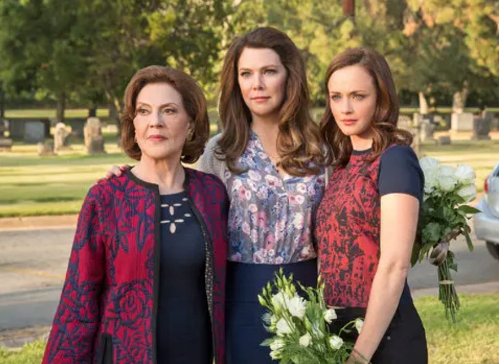I Binged 'Gilmore Girls' And Realized It's Not A Show, It's A Lifestyle, It's A Religion