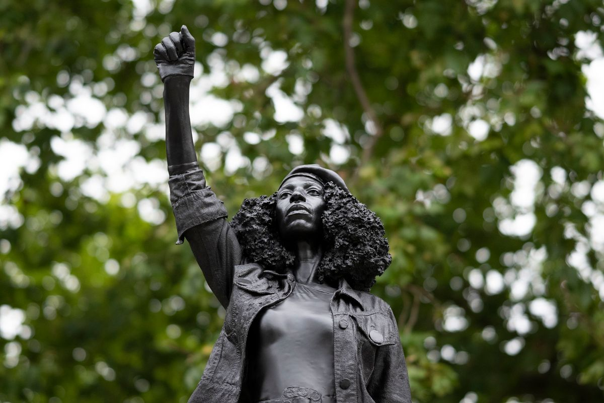 Toppled Slave Trader Statue Replaced by BLM Protester