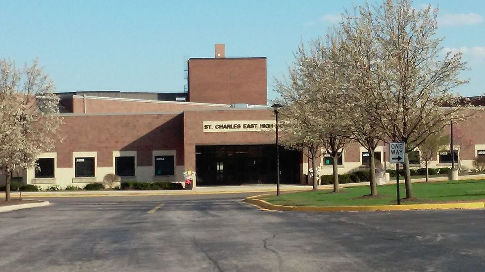 My Illinois High School Had A 2017 Viral Outbreak, And They're STILL Dropping The Ball On COVID-19